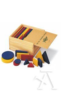 Caja de madera con bloques logicos de madera
