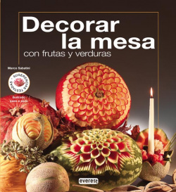 Decorar la mesa con frutas y verduras